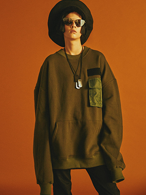 Pocket Sweatshirts / KHAKI